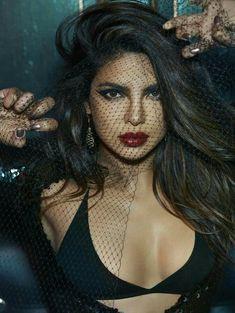 r/Celebs - Priyanka Chopra Bollywood Stars, Bollywood Actress Hot, Beautiful Bollywood Actress, Most Beautiful Indian Actress, Bollywood Bikini, Bollywood Makeup, Priyanka Chopra Sexy, Actress Priyanka Chopra, Indian Celebrities