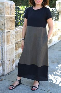 Say hello to our first pattern of 2017 – the Iris Dress! This flattering style incorporates an a-line shaped lantern skirt with side pockets that feature an upper topstitching detail. Linen Dress Pattern, Dress Sewing Patterns, Clothing Patterns, Boho Style Dresses, Trendy Dresses, Dress Robes, Dress Outfits, Dress Clothes, Bohemian Mode