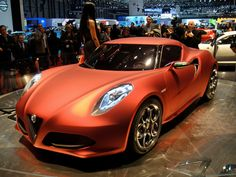Fiat is promising the Alfa Romeo 4C sports car will go on-sale in North America by the end of 2013. Wowsers. #cars