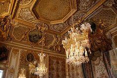 ceiling by Boucher in Queen's bedroom