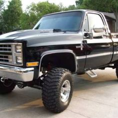 Lifted Chevy I would totally drive this