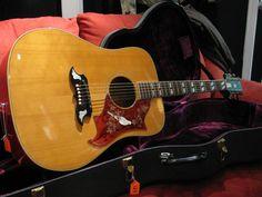 Gibson Dove 1969