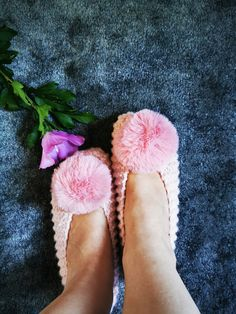 Chunky Slippers, Knit Slippers, Wedding Slippers, Bridesmaid Gift, Slippers with Pompom, Women Slippers, Knit Flats, Gift Wrapping by DandelionWoolDesign on Etsy