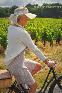 Bike Belle blog: cycling makes you happy and chic, no matter the age