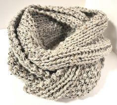Two Row Textured Infinity Scarf, free pattern on Ravelry. Knit and purl stitches create texture with only 2 repeating rows, fast knit using US 11 needles and 2 strands of worsted. Infinity Scarf Knitting Pattern, Loom Knitting, Knitting Patterns Free, Knit Patterns, Free Knitting, Infinity Scarf Patterns, Start Knitting, Finger Knitting, Knitting Machine