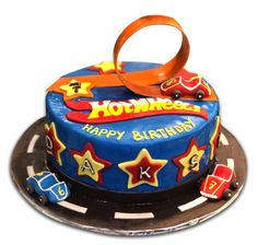 Bolo Hot Wheels +de 60 Ideias Eletrizantes para sua Festa #Bolo #HotWheels #BoloHotWheels  #HotWheelsCake #FestaHotWheels Bolo Hot Wheels, Hot Wheels Cake, Festa Hot Wheels, 5th Birthday, Kid Birthdays, Cake Ideas