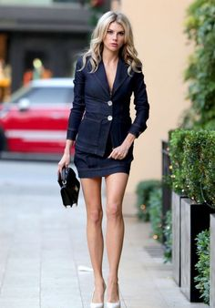 Charlotte McKinney Shows Off Her Long Legs - Arriving for a Meeting in Beverly Hills Charlotte McKinney Style, Outfits and Clothes. Blazer Jeans, Charlotte Mckinney Bikini, Trendy Dresses, Short Dresses, Great Legs, Nice Legs, Famous Models, Old Models, Summer Fashion Outfits