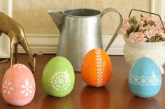 Pottery Barn inspired painted eggs from the country chic cottage
