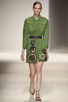 Fay Spring 2017 Ready-to-Wear Collection Photos - Vogue