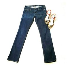 """J. Crew Jeans I am selling a sexy and sophisticated pair of J. Crew """"matchstick"""" skinny jeans.  They are a dark wash with very slight intentional distressing.   32"""" inseam and in great condition! J. Crew Jeans Skinny"""