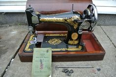 Singer 28K HandCrank Vintage Sewing machine by ZionVintageCrafts on Etsy