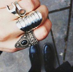 ring, black