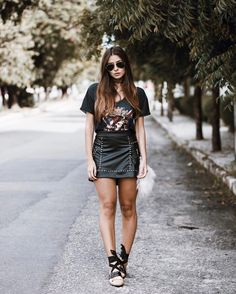 Victoria Rocha » STEAL THE LOOK Skirt Outfits, Casual Outfits, Summer Outfits, Fashion Outfits, Womens Fashion, Casual Chic, Rocker Look, Look Street Style, Fall Skirts