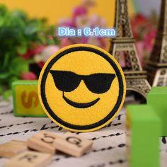 9 pcs Diâmetro 6 cm Diy Bordado Remendos Emoji Lote Crianças Dos Desenhos Animados Motif Sorriso Rosto Ferro Em Apliques De Pano remendo Adesivos Venda Quente