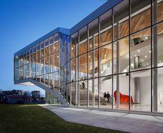 Architecture | ÉTS Student Centre and Polytechnique Montreal Student Centre - Menkès Shooner Dagenais LeTourneux Architectes - photo credit: Stephane Brugger