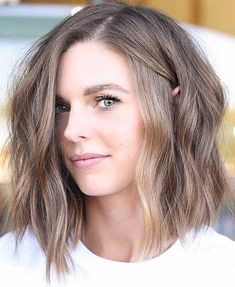 30 stunning shoulder length haircuts Informations About 30 atemberaubende schulterlange Haarschnitte Medium Hair Cuts, Short Hair Cuts, Medium Hair Styles, Short Hair Styles, Women Hair Cuts, Asymmetrical Bob Haircuts, Long Bob Haircuts, Summer Hairstyles, Bob Hairstyles