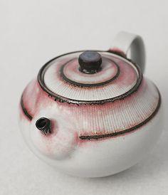 Teapot by Yasuko Ozeki