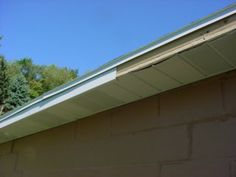 I hope this guide will help you in installing Soffit and Fascia. Deck Building Plans, Building A Shed, Vinyl Soffit, Roof Soffits, Vinyl Siding Installation, Soffit Ideas, Diy Home Repair, Diy Deck, Roof Repair