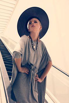 Dayana | Surachai Saengsuwan #photography | Metro Politan  For some reason I'm infatuated with this pose..