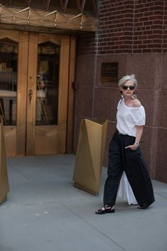 Accidental Icon: StaycationAccidental killing Types of accidental killing include: Mature Fashion, Over 50 Womens Fashion, Fashion Over 50, Love Fashion, Fashion Outfits, Fashion Trends, Street Chic, Street Style, Accidental Icon