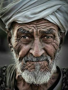 old man portrait Photo effects combo by - portrait Old Man Portrait, Photo Portrait, Pencil Portrait, Portrait Art, Old Man Face, Old Faces, Foto Real, Face Photography, Street Photography