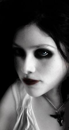 29001fe535ec 20 Best Halloween: Vampire images | Halloween vampire, Vampires ...