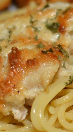 Casserole Parmesan Chicken Casserole ~ The BEST. The flavor was amazing, and the chicken was incredibly moist.Parmesan Chicken Casserole ~ The BEST. The flavor was amazing, and the chicken was incredibly moist. New Recipes, Cooking Recipes, Favorite Recipes, Healthy Recipes, Recipies, Cooking Time, Casseroles Healthy, Best Casseroles, Amazing Food Recipes