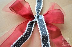 3D+star+wreath+ribbon+bow+hanger.jpg 1,600×1,063 pixels