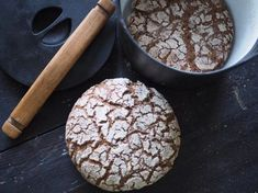 Hapatettu ruispataleipä on helppo kansallisherkku - Himahella Daily Bread, Bread Baking, Deli, Bread Recipes, Goodies, Food And Drink, Chocolate, Cooking, Breakfast