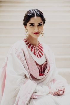a bunch of bollywood fandom misfits who have banded together to make something kinda-sorta awesome :) Bollywood Celebrities, Bollywood Fashion, Bollywood Actress, Bollywood Style, Crystal Embroidery, Sonam Kapoor, Couture Week, Silk Fabric, Trendy Outfits