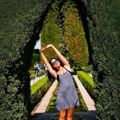 Take every opportunity to take care of your body and your senses. ⠀ ⠀ Getting a side-body stretch at the Alhambra.⠀ ⠀ ⠀ ⠀ ⠀ #rogueyogi #rogueyoga #travelingyogi #yogaeverydamnday #rogueyogigonerogue⠀ #granada #spain #yogaretreat #rogueyogiretreat