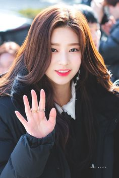 181114 KBS radio - moon hee jun's music show 출톼근 #izone #minju