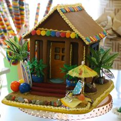 Anybody going tropical this holiday season? Why not try a Gingerbread Beach Shack? #gingerbreadhouses