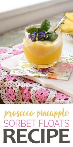 Nothing is as cool as frozen bubbly! Prosecco Pineapple Sorbet Floats are perfect for special occasions, but not too fussy for a casual affair. Prosecco Cocktails, Fruity Cocktails, Fruit Drinks, Beverages, Craft Cocktails, Easy Desserts, Delicious Desserts, Dessert Recipes, Gourmet