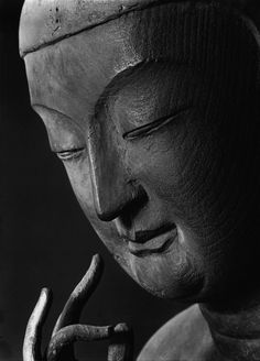 Miroku Bosatsu-Koryuji Temple, photo by Ken Domon 広隆寺弥勒菩薩半跏像左半面相 国宝