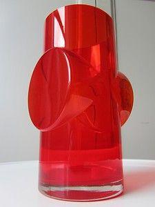 Vintage Riihimaki Riihimaen Finnish Pablo Vase by Erkkitapio Siiroinen. Design I have one of these. Art Of Glass, Futuristic Design, Glass Ceramic, Modern Glass, Retro Art, Glass Collection, Mid Century Design, Glass Design, Colored Glass