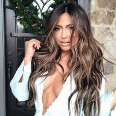Jessica Burciaga serving with a darker balayage. This girl can do no wrong. Balayage Hair, Ombre Hair, Bayalage, Brown Balayage, Balayage Brunette, Pinterest Hair, Brunette Hair, Hair Today, Hair Highlights