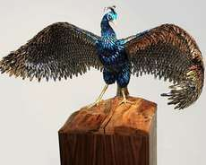 Laurel Roth Creates Peacock Sculptures Using Fake Fingernails & Hairclips #art #obscureart