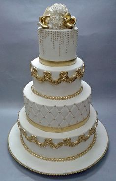 Luxury Birthday & Wedding Cake Shop In Mumbai, Cake Designs Collection Bling Wedding Cakes, Cool Wedding Cakes, Elegant Wedding Cakes, Beautiful Wedding Cakes, Gorgeous Cakes, Wedding Cake Designs, Pretty Cakes, Wedding Cake Toppers, Fondant Cupcakes