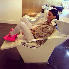 I want this in my hair salon!!