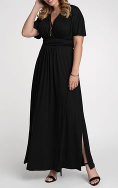 Plus Size Black Long Special Occasion Evening Dress With Side Slit. Love the side slits on the plus size black maxi dress with a short style sleeve. - Plus Size Maxi Dresses - Ideas of Plus Size Maxi Dresses Plus Size Dresses Uk, Vestidos Plus Size, Plus Size Cocktail Dresses, Evening Dresses Plus Size, Black Formal Dress Short, Long Black Evening Dress, Maxi Dresses Uk, Maxi Dress With Sleeves, Fashion Dresses