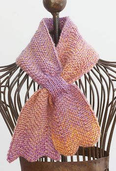Self-Fastening Scarves and Shawls Knitting Patterns Knitting Pattern for Chevron Keyhole Scarf Shawl Patterns, Lace Patterns, Knitting Patterns Free, Baby Knitting, Free Knitting, Knitting Tutorials, Knitting Machine, Vintage Knitting, Loom Knitting