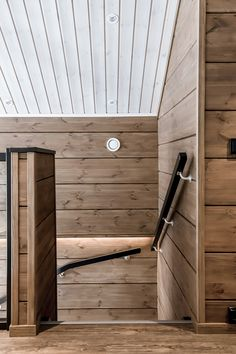 Breathing is easy – this is the atmospheric log cabin home loved by Ellinor and Adrian - Honka Sauna House, Tiny House Cabin, Log Cabin Homes, Chalet Design, Cabin Design, Cabin Interiors, Dark Interiors, Interior Wall Colors, Log Home Living
