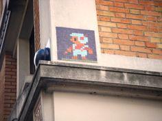 Space Invader Rue Boyer (75020)