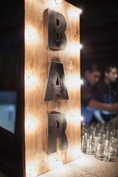 Cartel Bar luminoso