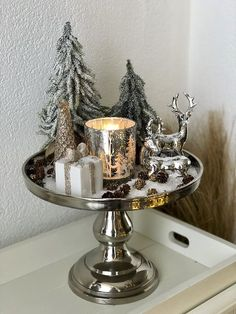 Christmas Interiors, Christmas Room, Christmas Coffee, Simple Christmas, Silver Christmas Decorations, Decorating Coffee Tables, Merry Xmas, Thanksgiving, Winter