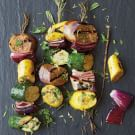 A BBQ even the non meat lover will enjoy! Mix and match pieces of summer squash, eggplant and red onion on bamboo skewers to create colorful seasonal kabobs. Eggplant Zucchini, Zucchini Squash, Grilled Eggplant, Eggplant Recipes, Baby Eggplant, Stuffed Eggplant, Kabob Recipes, Vegan Recipes, Vegane Rezepte