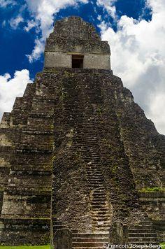 Templ Gran Jaguar Tikal  Peten Guatemala