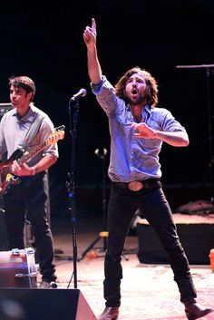 Scott Avett & Bob Crawford by LindseyAAkiyama, via Flickr