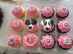 Exact Replicas of my Great Dane puppies. Bachelorette Cupcakes, Dog Cupcakes, Dane Puppies, Great Dane Puppy, Different Dogs, 2nd Birthday, Party, Desserts, Food